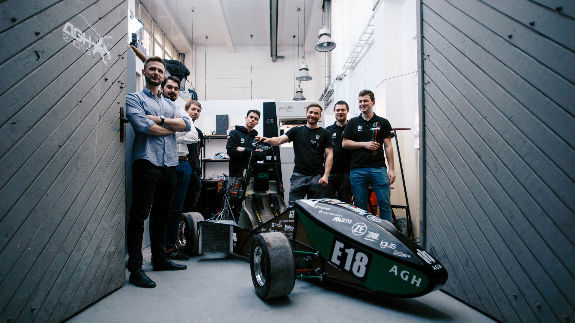 Formula Student racing cars and 3D printing – 3DGence and AGH Racing