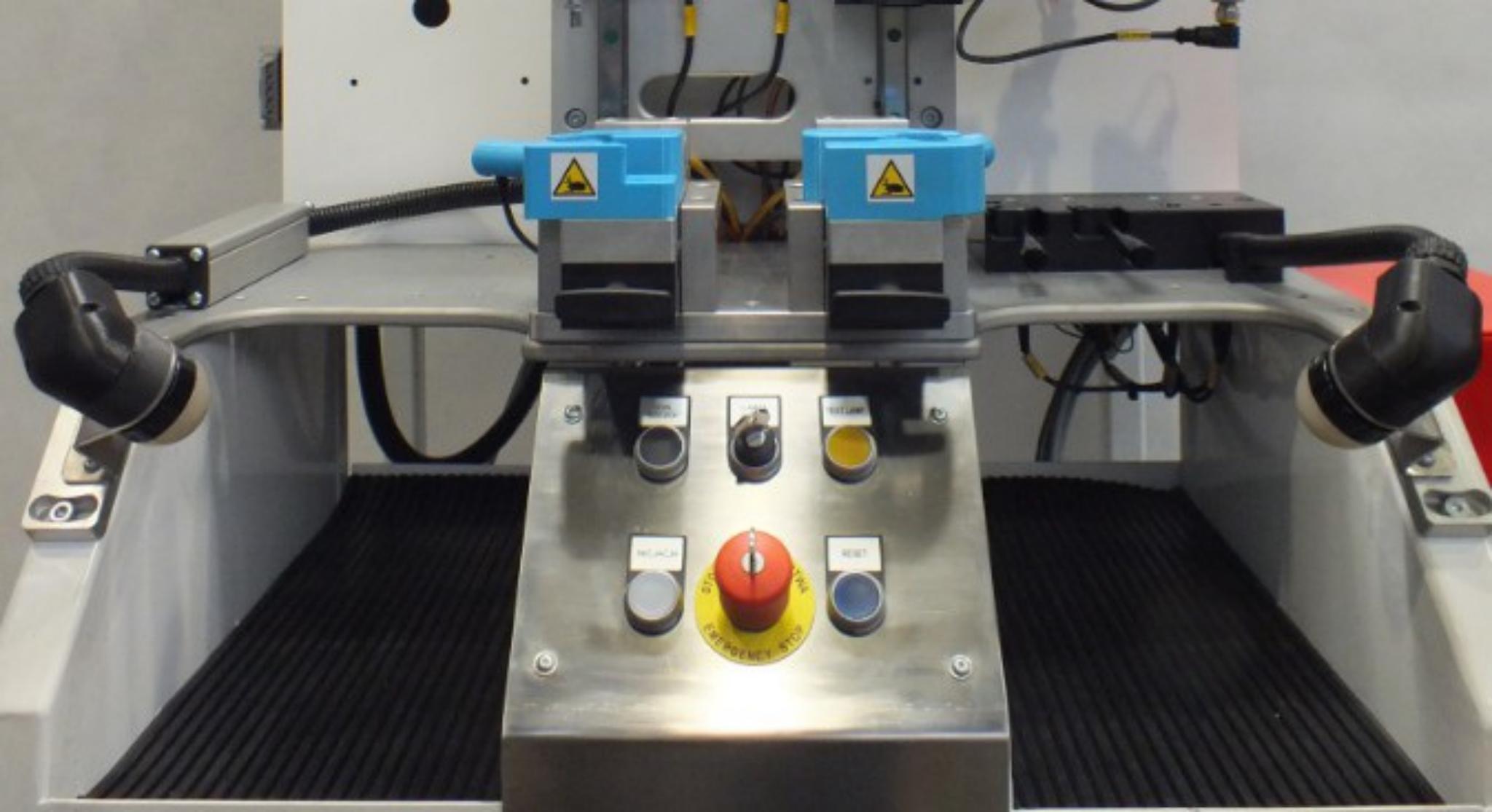 Zamontowanie wydrukowanych obudów w czujnikach Pick-to-Light zwiększyło ich wytrzymałość na mechaniczne uszkodzenia.