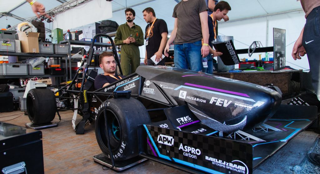 "Bolid elektryczny AGH Racing – RTE 2.0 ""LEM"""