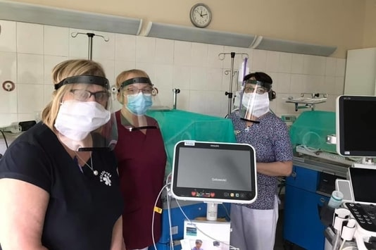 Employees of the Multi-specialized hospital in Gliwice in protective shields printed in 3D by 3DGence